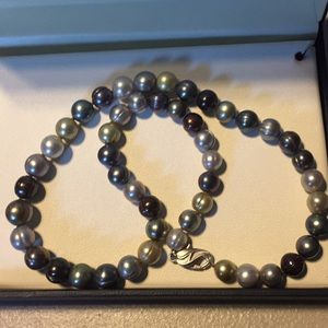 Jewelry - Pearl necklace- multi colored pearls